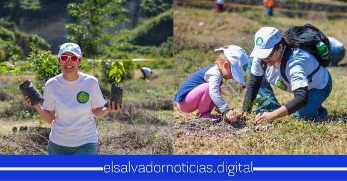 CEPA ayuda al medio ambiente, con 300 árboles de cacao en Aeropuerto Ilopango