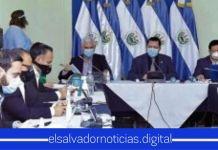 Mario Ponce denigra a los asesores del Gobierno y les EXIGE que se pongan al nivel de Rodolfo Parker ya que es un ejemplo de diputado