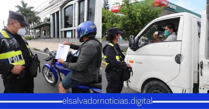 Elementos Policiales mantienen puntos de control para verificar que se cumplan las medidas preventivas ante la emergencia por COVID-19.