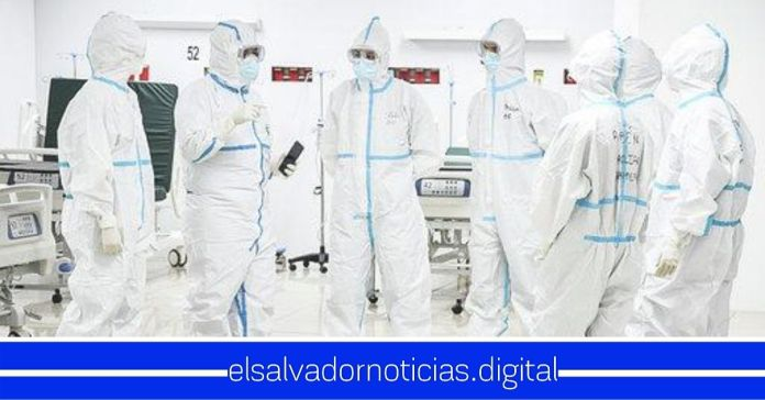 Delegación de médicos españoles se incorporan a la lucha contra el Coronavirus en Hospital El Salvador