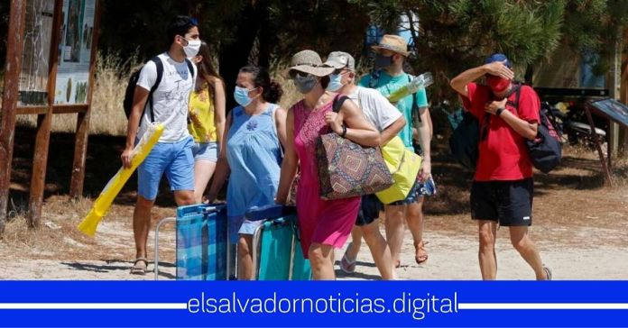 Gobierno lamenta que haya salvadoreños alquilen ranchos en la playa mientras los médicos están luchando duramente contra el COVID-19
