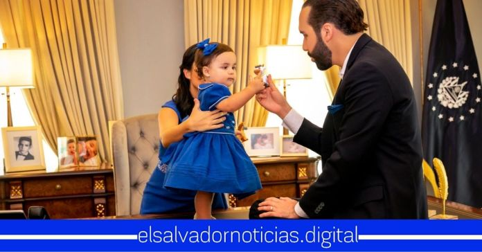Salvadoreños afirman sentirse representados por la mejor Familia Presidencial en la historia de El Salvador