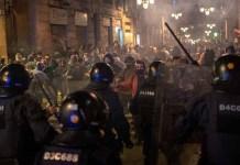 Europa regresa al confinamiento, españoles se rehúsan dejar las calles. Una segunda ola de COVID-19 amenaza a la comunidad europea.