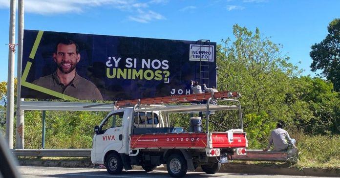 Salvadoreños exigen al TSE multar a Nuestro Tiempo por realizar campaña antes del tiempo estipulado