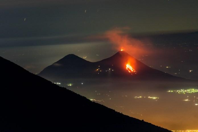 Guatemala   Volcán Pacaya presenta aumento en actividad explosiva