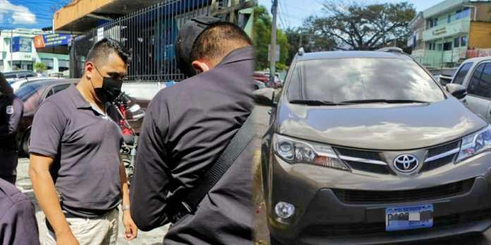 PNC incauta lujosa camioneta que Munguía Payés no entregó al Estado, la cual adquirió mediante los casos de corrupción