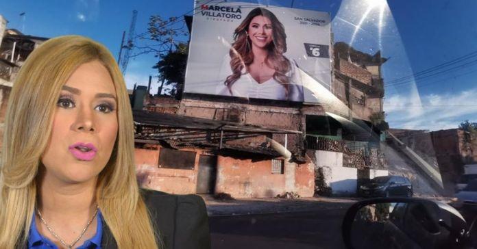 Marcela Villatoro coloca costosa valla para su campaña sobre humilde vivienda
