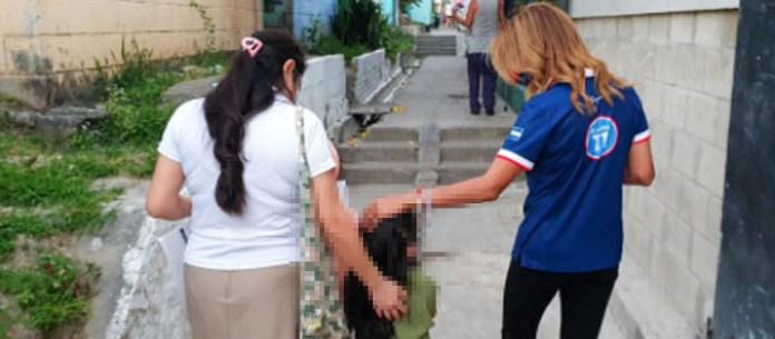 Claudia de Ávila ordena a menores de edad pedir a Dios para que le dé un curul en la Asamblea