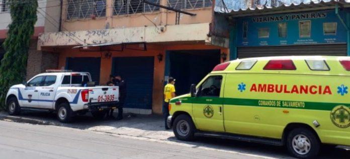 Mujer y su bebé son atropelladas en San Salvador