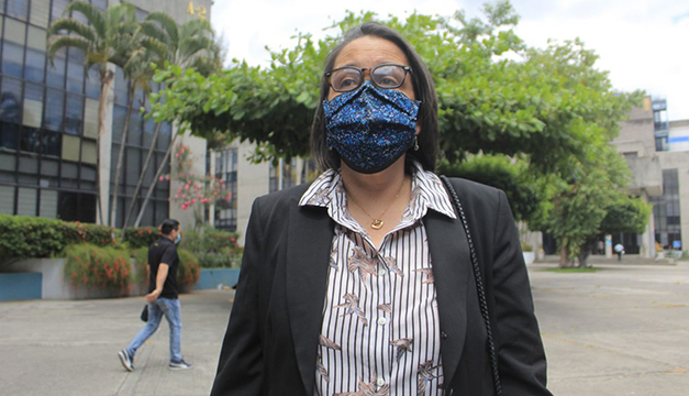 Condenan a tres años de «utilidad pública» a Regina Cañas por encubrimiento de lavado de dinero y deberá devolver $95 mil al Estado