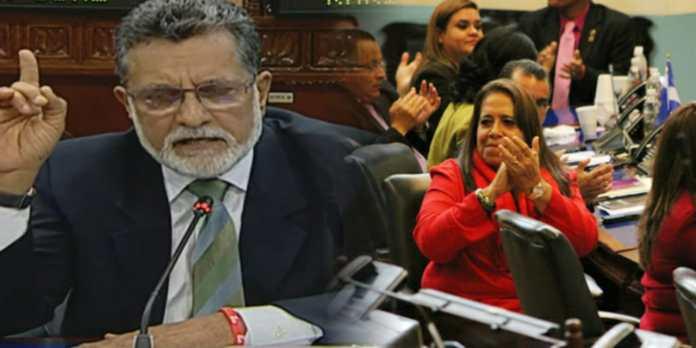 Schafik Hándal a los salvadoreños: «El FMLN no va a desaparecer y estamos dispuestos a luchar para reponernos»