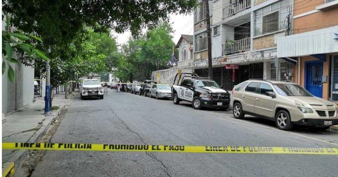 Roban y destrozan oficinas del consulado de El Salvador en Monterrey, México