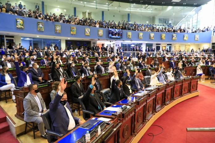 La Bancada Cyan arrasa en la primera votación de la Nueva Asamblea