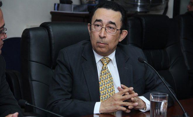 Vicepresidente de Paco Flores defiende la argolla de corrupción de ARENA y FMLN