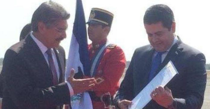 Mientras el Presidente Bukele mandó alimentos a Honduras, ARENA le mandó a Norman Quijano