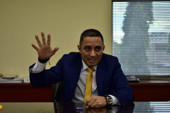 Apolonio Tobar lamenta y denuncia destitución de Melara y Magistrado afirmando que «vulneración del orden constitucional»