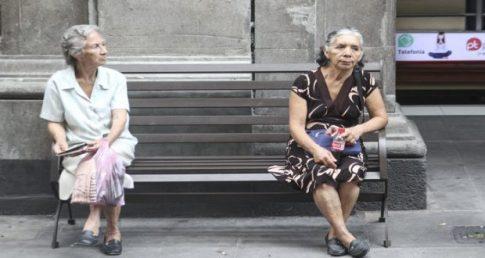 mujeres adultas mayores