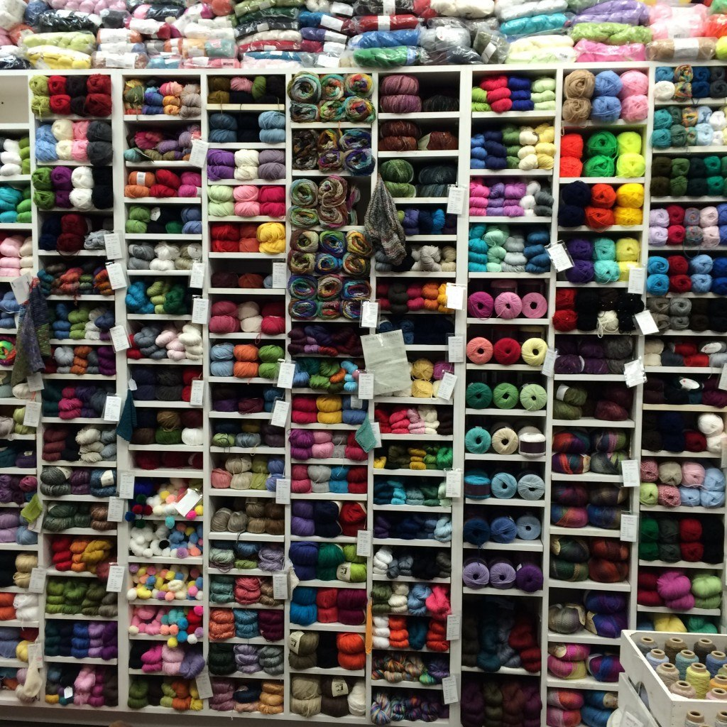 Imagiknit yarn display