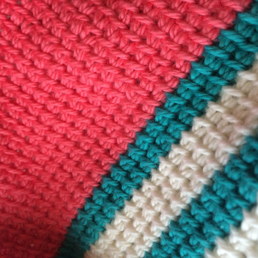 Cotton yarn in Coral, green and ecru