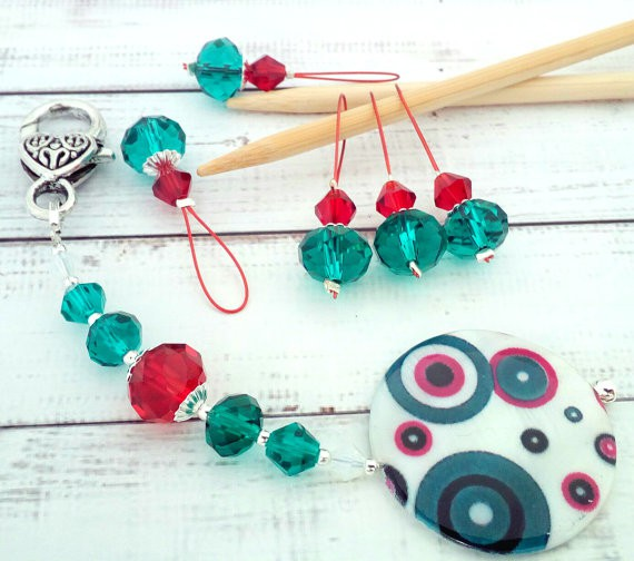 Festive stitch markers from KoPoUk