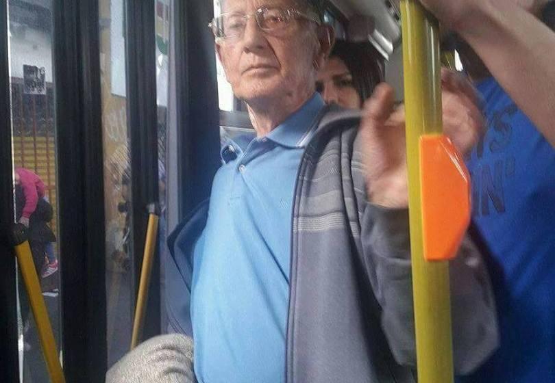 Detienen a un anciano degenerado y pervertido que eyaculó  a una chica en el colectivo