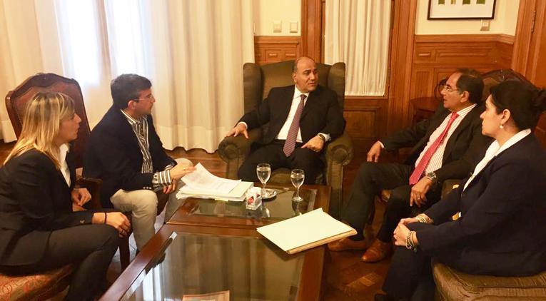 El gobernador Manzur recibió denuncias sobre acoso sexual y violencia en la Caja Popular