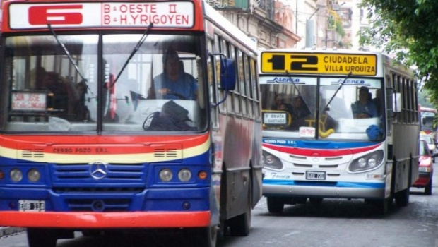 UTA  confirmó la circulación de colectivos en forma normal, pero mañana no habrá servicio hasta el mediodía