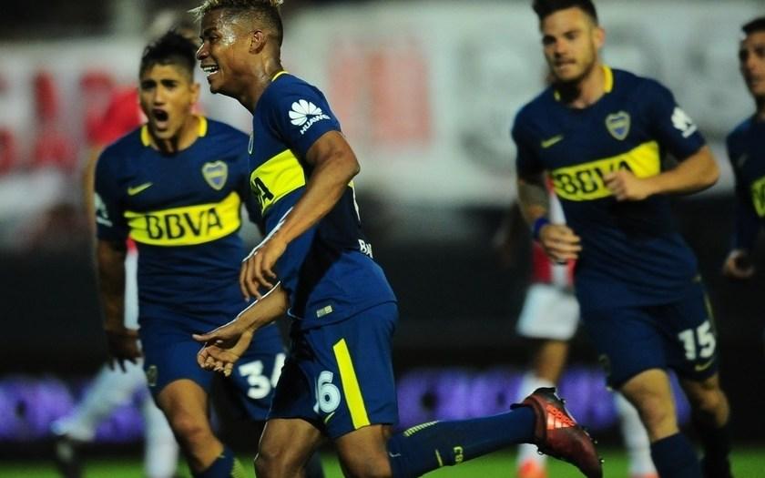Boca le ganó 1 a 0 a Estudiantes y sigue como único puntero