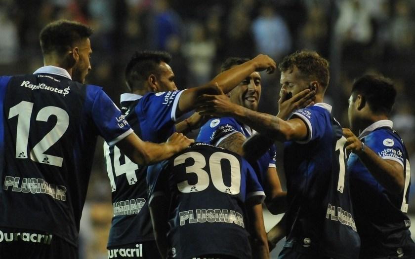 Gimnasia le ganó 2-1 a River en La Plata