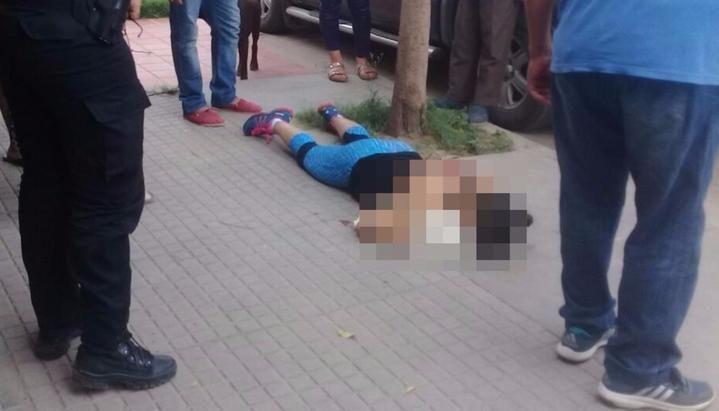 Brutal femicidio: Un hombre acribilló a su mujer en plena calle