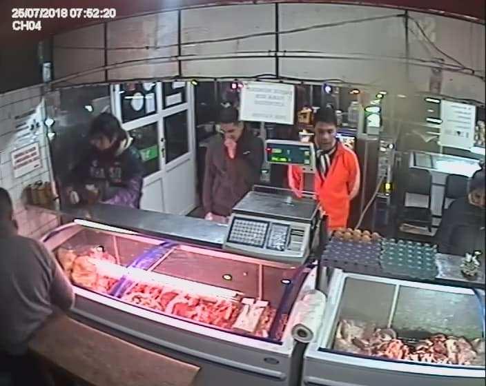 (VIDEO) A cara descubierta asaltan una carnicería en Villa Carmela
