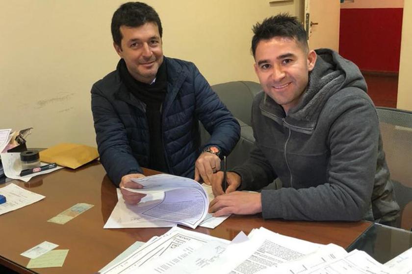 Bieler puso la firma y seguirá en San Martín