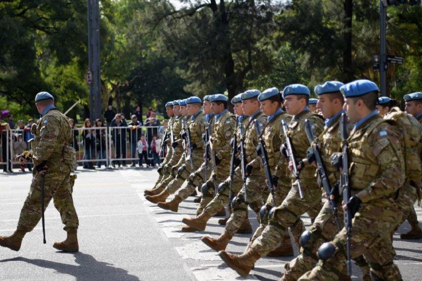 """"""" Polemico """": Suspendieron el desfile militar del 9 de Julio por conflictos salariales"""
