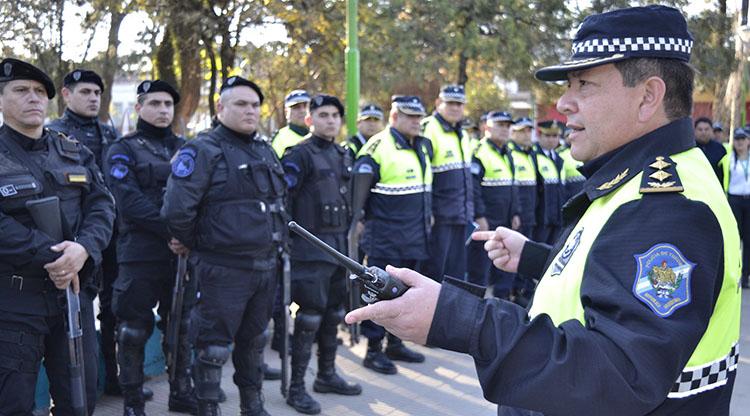 Policías con 25 a 35 años de servicio pasarán a retiro