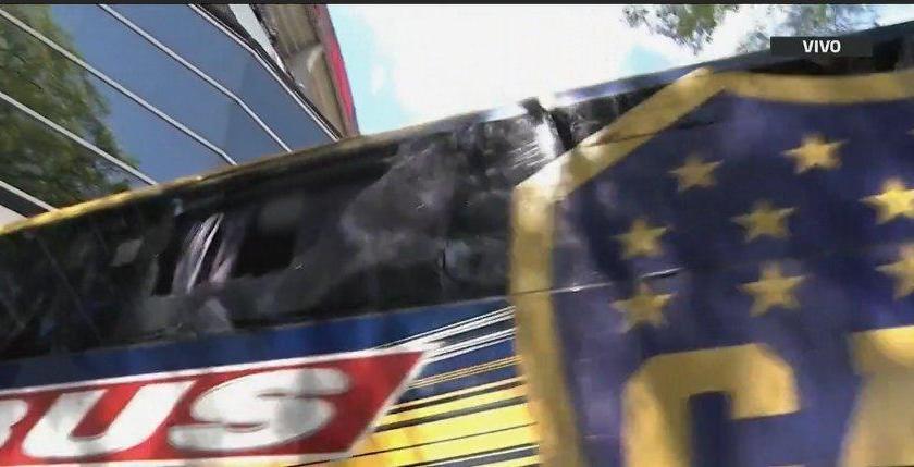 """(VIDEO)"""" PELIGROSA INSEGURIDAD """": El ataque al micro de Boca se produjo en una zona a cargo de Prefectura"""