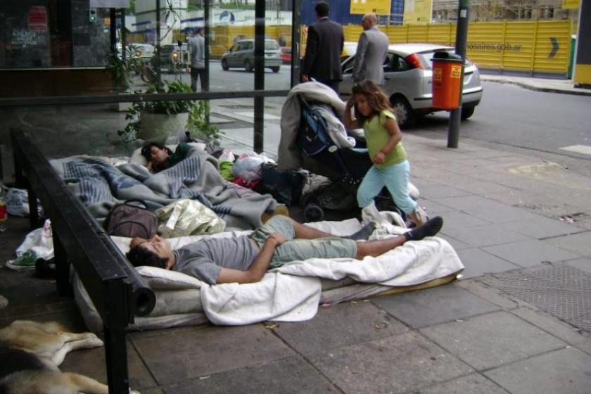 INDEC: Una familia tipo requirió en abril casi $ 30.000 para no caer en la pobreza