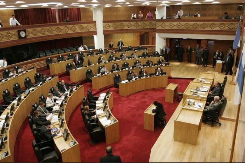 Composicion de la nueva legislatura en Tucuman: Manzur y Jaldo tendrán 31 legisladores, Bussi 8, Alfaro 4, Alperovich 4 y la UCR 2