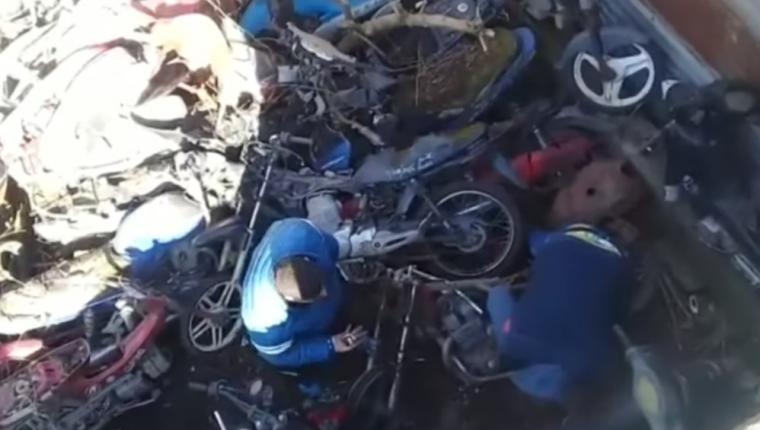 Corrupcion Policial: Filman a policías sacando repuestos de motos secuestradas de la comisaría 10ª
