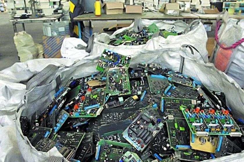 RECICLADO: Cómo se pueden aprovechar los 7 kilos de basura electrónica que los argentinos desechan por año