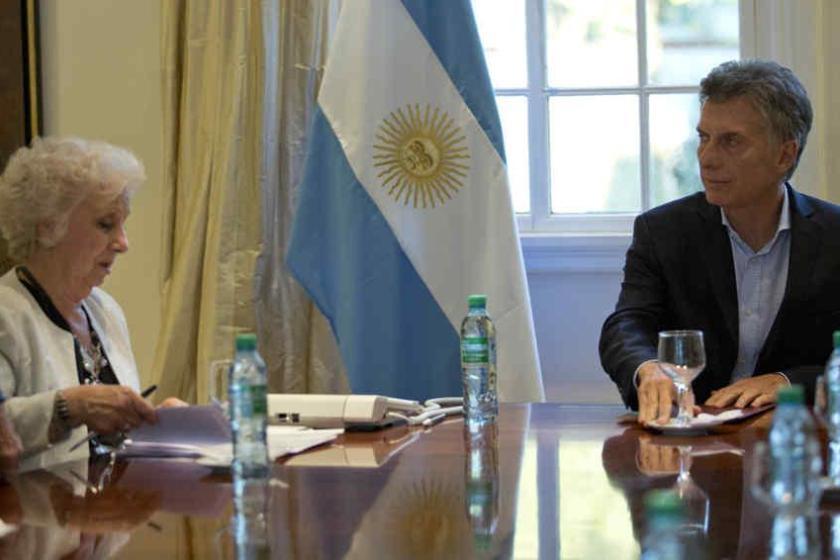 """Carlotto criticó a Macri: """"Ni hablar bien puede, sirve para globitos y zapateo para el escenario"""""""