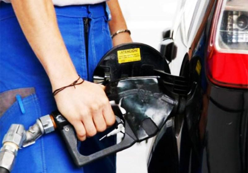 A partir de hoy suben las naftas, a un promedio de $1.- por litro