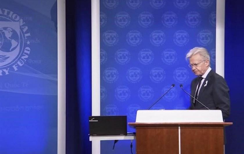 """El FMI sigue  eludiendo hablar del desembolso y calificó la situación argentina como """"muy compleja"""""""
