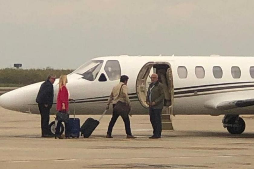 Usan el avión de la provincia  para fines partidarios