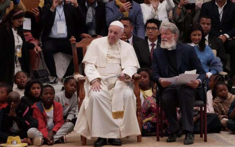 Pedro Opeka, el sacerdote argentino que construyó la esperanza en un barrio miserable de Madagascar