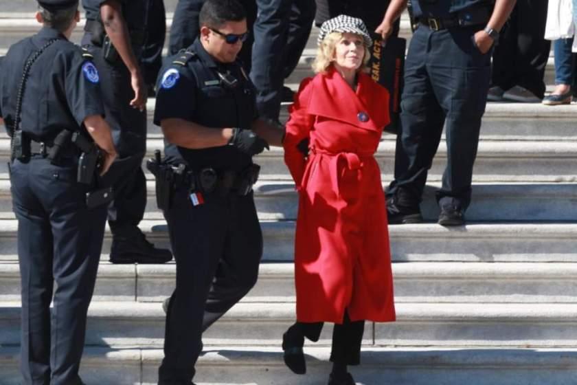 Jane Fonda detenida por protestar contra el cambio climático