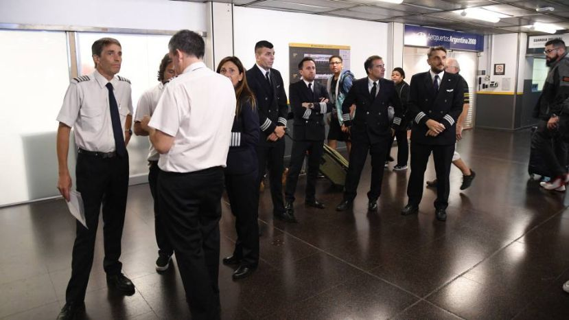 Se cancelan 18 vuelos entre Tucumán y Buenos Aires el fin de semana, por paro de pilotos de Aerolineas