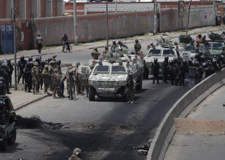 Bolivia:  Muertos y decenas de heridos durante un operativo militar en Senkata(VIDEO)