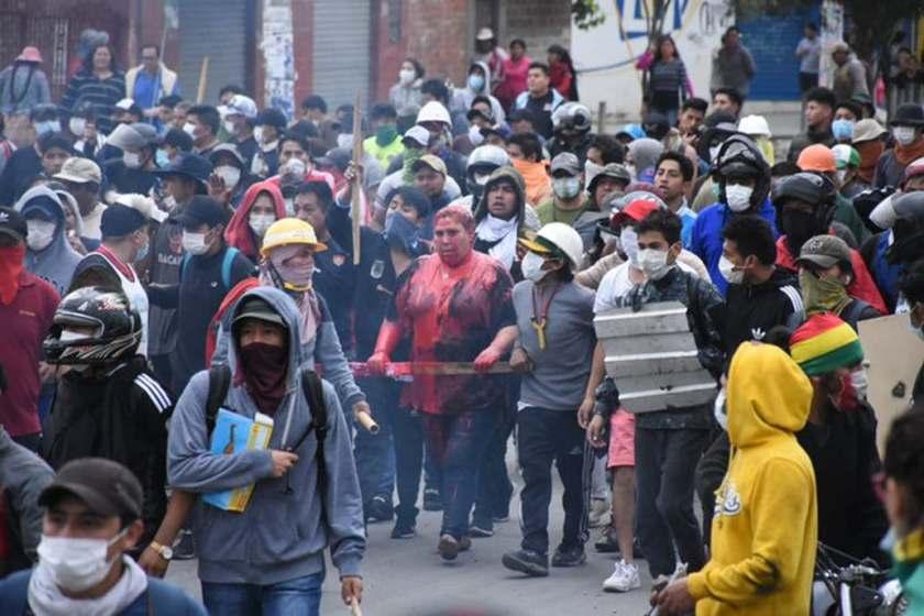 Aberrante agresión de opositores en Bolivia: manifestantes secuestran a una alcaldesa y la humillan públicamente(VIDEO)