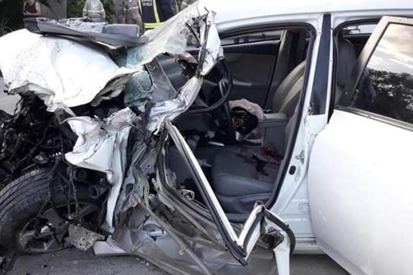 Villa Carmela: Múltiple choque entre un camión y dos autos
