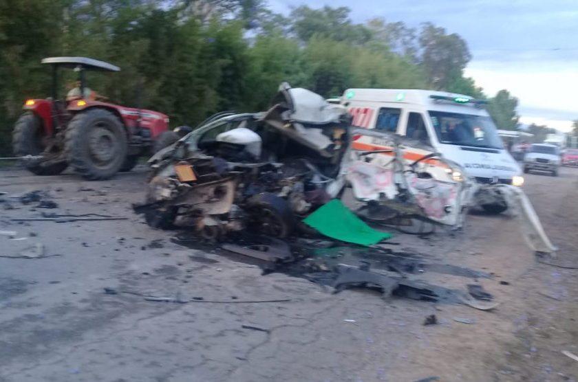 Hay un muerto, tras un accidente en la ruta 38, una camioneta chocó de frente  a un colectivo